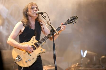 efemeride musical malcolm young