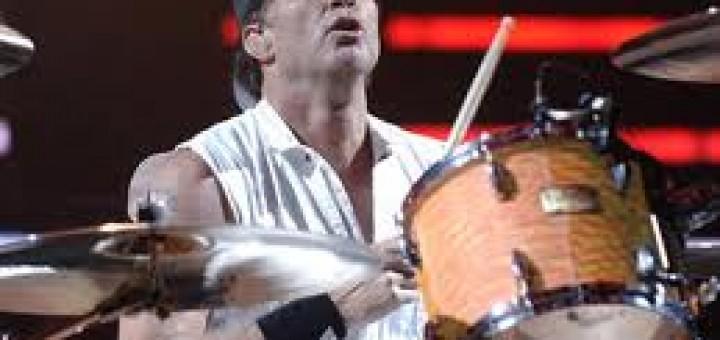 Chad Smith a la bateria